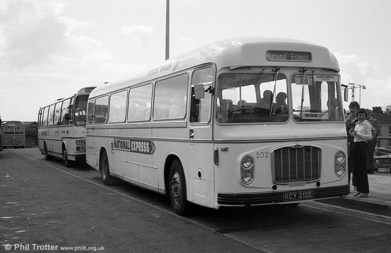 Bristol RELH6G/ECW DP47F 502 (KCY 212E).