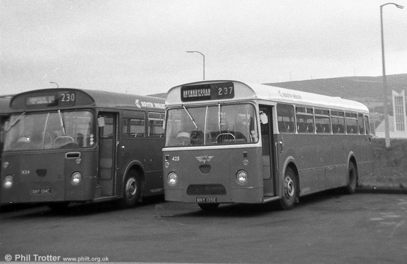 424 (DNY 134C), an AEC Reliance/Weymann B53F and 425 (MNY 135E), an AEC Reliance/Marshall DP49F, both ex-Thomas Bros at Port Talbot.