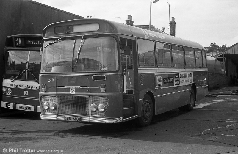 Ford R1014/Willowbrook B45F 240 (PWN 240M) at Brunswick St.