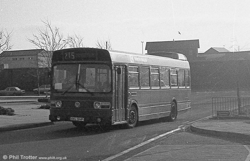353 (KKL 541P), a Leyland National/B41F acquired from Maistone & District in 1982.