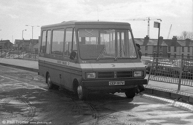 Bedford CF/Reebur DP17F 97 (CEP 197V) at Swansea on on August 30 1981.