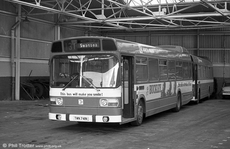 741 (TWN 741N), a Leyland National B52F at Clarence Terrace.