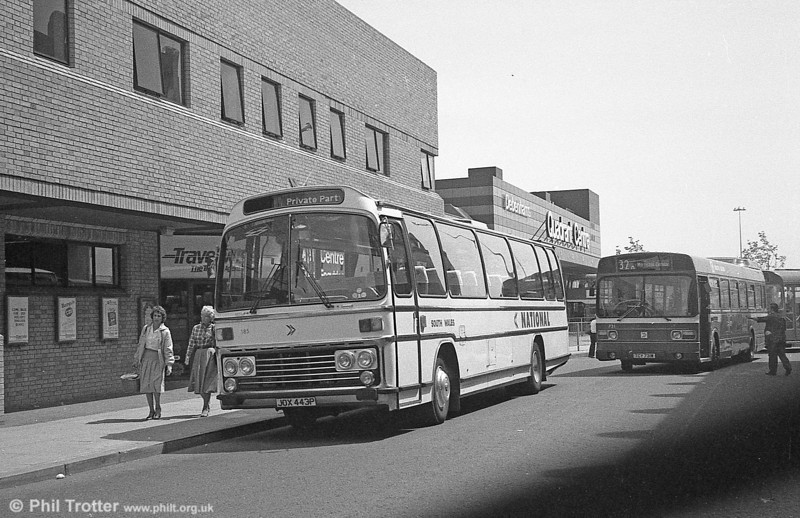 185 (JOX 443P), a Leyland Leopard/Plaxton C47F, acquired from Midland Red in 1976.