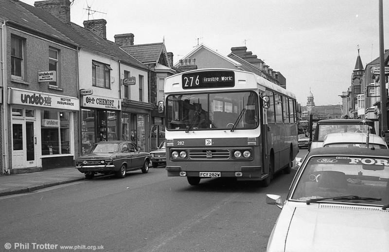 282 (FCY 282W), a 1981 Bedford YMQ/Duple DP45F at Llanelli.