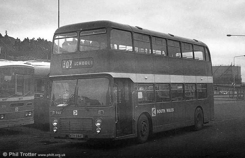 Bristol VRT SL3/ECW H43/31F 944 (WTH 944T) at Haverfordwest.