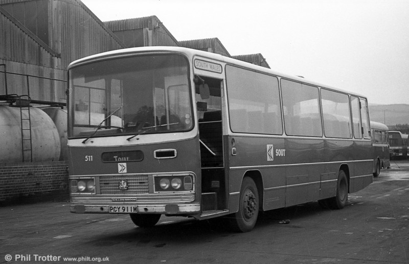 511 (PCY 911M), a 1973 Bedford YRT/Willowbrook DP51F at Neath.