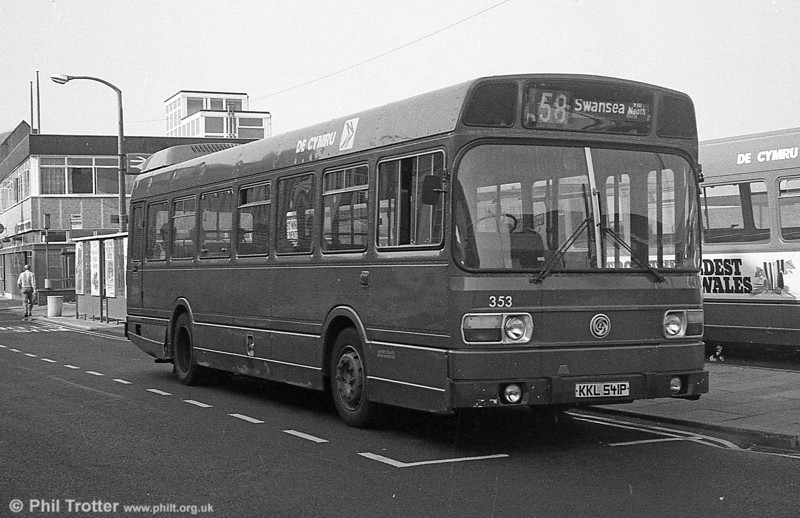 353 (KKL 541P), a Leyland National/B41F acquired from Maistone & District in 1982, seen at Neath.