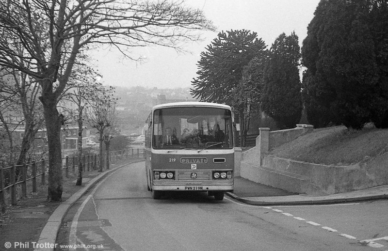 Bedford YRQ/Willowbrook DP45F 219 (PWN 219M) climbs the short route to Uzmaston at Haverfordwest.