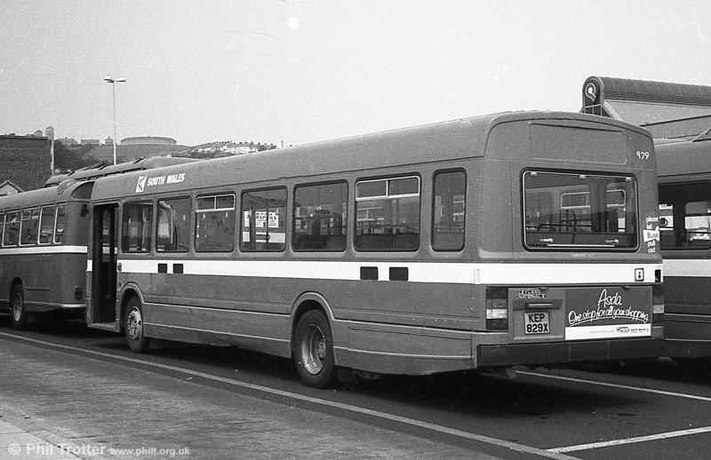 Leyland National 2/B52F 829 (KEP 829X).