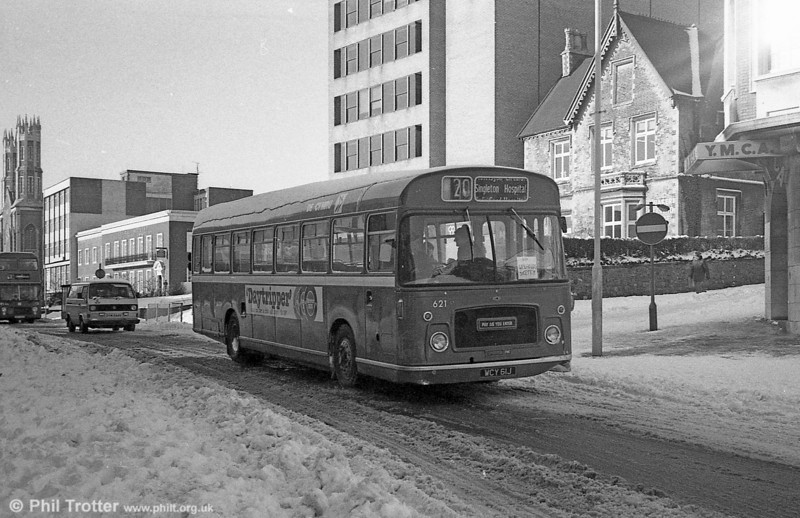 Bristol RELL6G/ECW B53F 621 (WCY 61J) in the snow at Swansea.