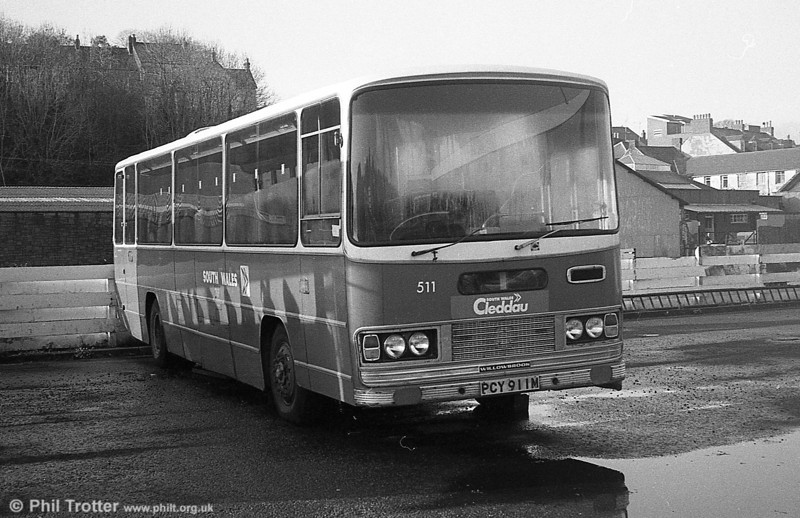511 (PCY 911M), a 1973 Bedford YRT/Willowbrook DP51F at Haverfordwest.