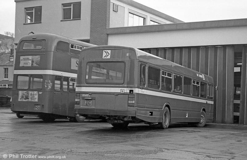 Leyland National 2/B52F 817 (CCY 817V) at Brunswick St.
