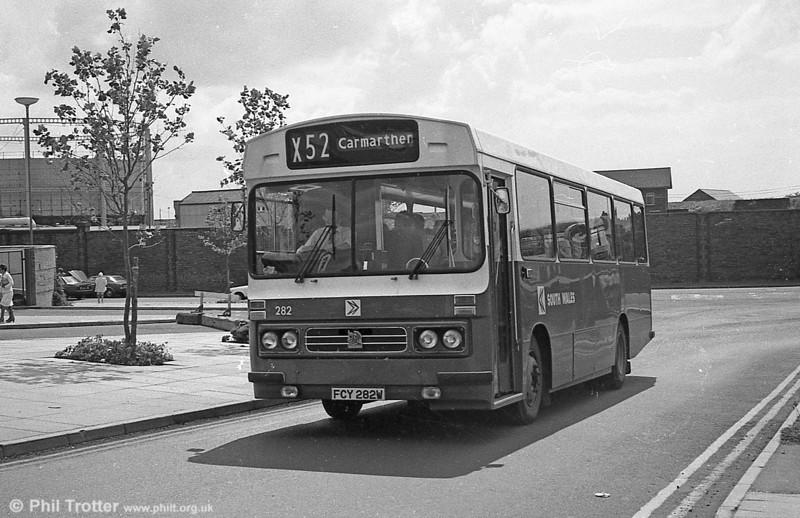 282 (FCY 282W), a 1981 Bedford YMQ/Duple DP45F.