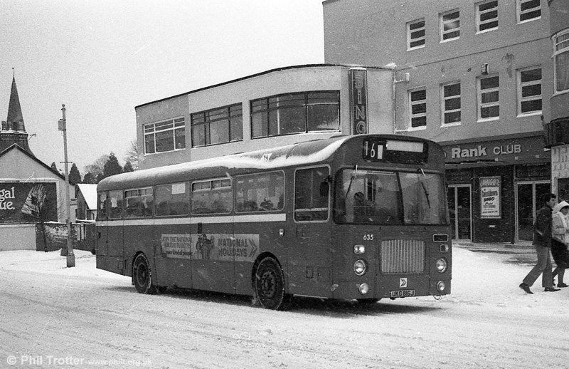 Bristol RELL6L/Marshall B51F 635 (UKG 816J) in the snow at Sketty.