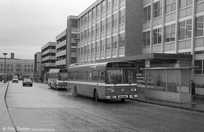 736 (TCY 736M), a Leyland National B52F at tree-less Orchard Street, Swansea.