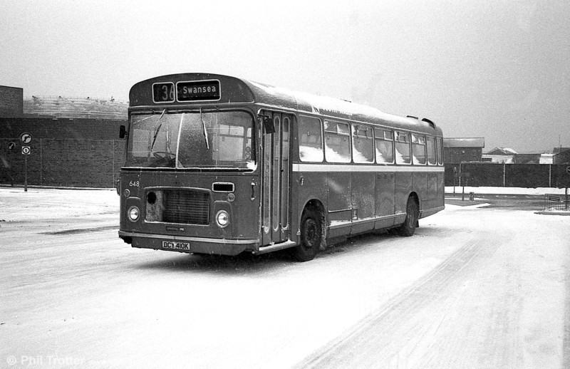 Bristol RELL6G/ECW  B53F 648 (DCY 410K) in the snow at Swansea.