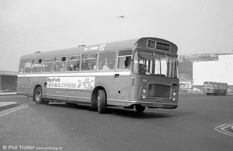 624 (XWN 624J) a 1971 Bristol RELH6G / ECW DP45F in bus livery.