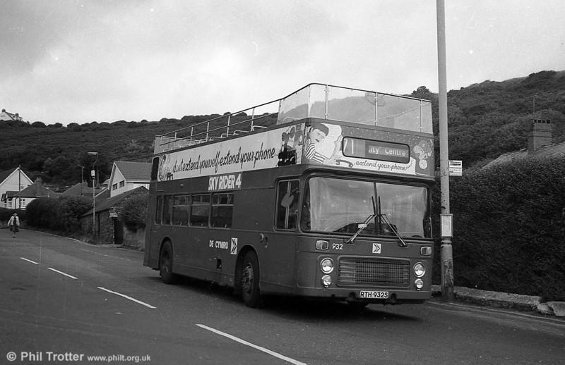 Bristol VRT SL3/ECW CO43/31F 932 (RTH 932S) at Limeslade.