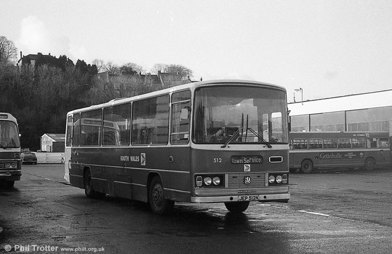 512 (JEP 512N), a 1975 Bedford YRT/Willowbrook DP51F at Haverfordwest.
