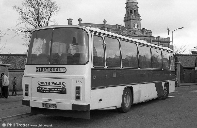 175 (BTH 483V), a Leyland Leopard/Willowbrook DP51F at Llanelli.