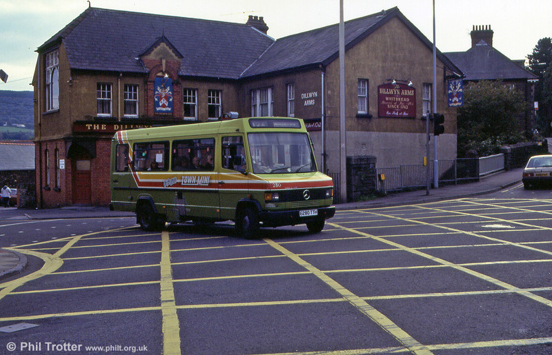 Four Mercedes 609Ds (279-282) with Robin Hood B20F bodywork were purchased in late 1987 for services around Port Talbot, although 280 is seen here at Pontardawe.