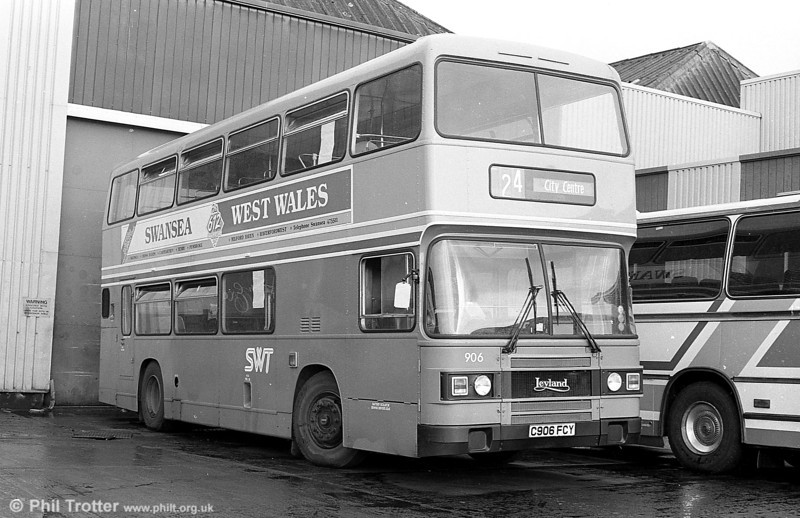 Olympian 906 (C906 FCY) at Ravenhill.