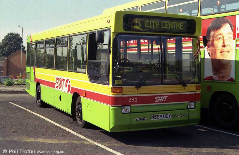 Dennis Dart 562 (N562 UCY) illustrates the early First fleetname.