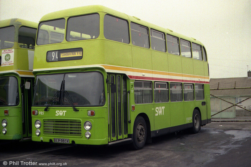 VRT 985 (BEP 985V) at Ravenhill.