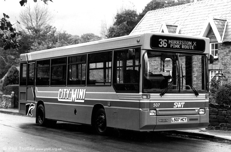 507 (L507 HCY) one of the 1993 Dennis Dart/Plaxton B31F seen when new.