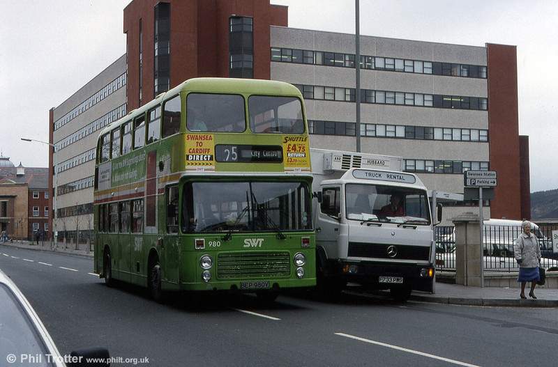 VRT 980 (BEP 980V) at High Street, Swansea in March 1993.