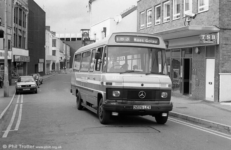 Sosban Link 226 (D226 LCY) in Park Street, Llanelli.