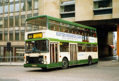Eastern Scottish VV23 (LWB373P), St Andrew Square, Edinburgh, 26th June 1988