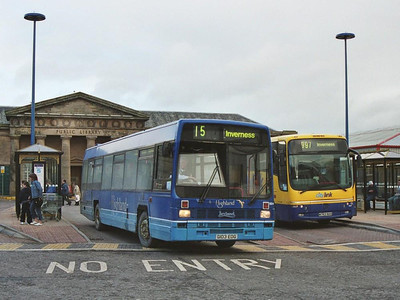 Rapsons Leyland Lynx 504 (G103EOG), leaving Inverness Bus Station