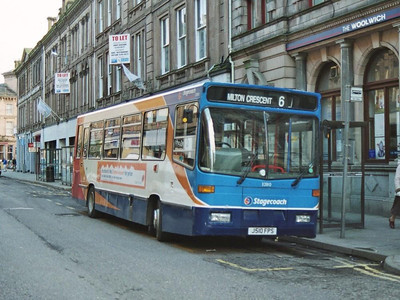 Stagecoach Alexander bodied Dennis Dart 32810 (J510FPS) on Union Street, 19th February 2005.