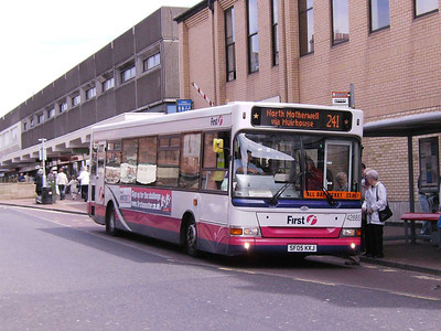 First 42885 (SF05KXJ), Motherwell, 4th August 2007