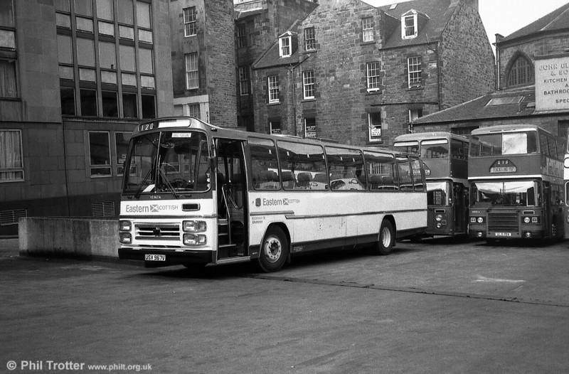 Eastern Scottish YS967 (USX 967V), a Seddon Pennine/Plaxton C49F.
