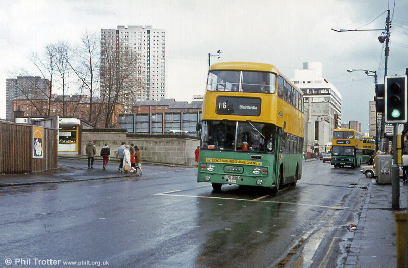 LA 1444 (CUS 298X), a Leyland Atlantean AN68 with Alexander H45/33F in April 1983.