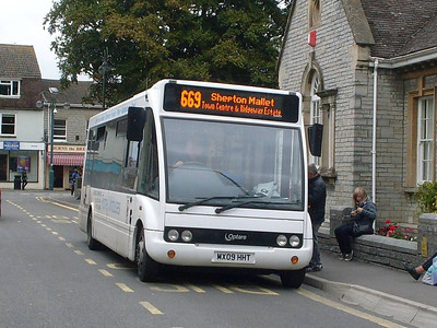 Frome Minbuses MX09HHT, Street, Somerset, 14th September 2010