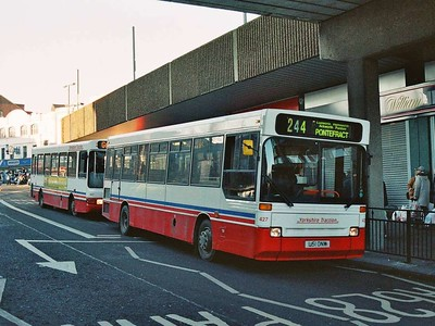 427 (L151CNW) is a Plaxton bodied Dennis Dart. Kendray Street.