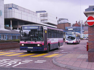 First 60519 (H676THL), Sheffield Interchange, 22nd March 2008