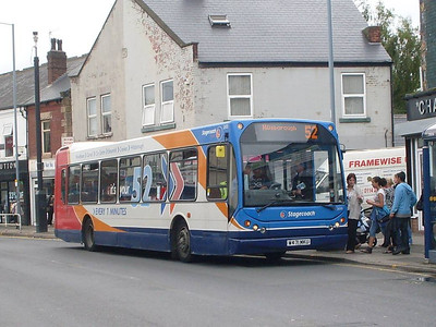 Stagecoach East Lancs bodied DAF SB220 26101 (W471MKU) loading on Staniforth Road in Darnall on 17th August