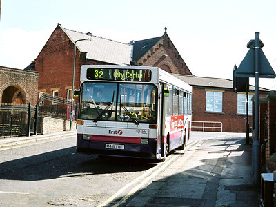 First 40455 (M416VHE), a Plaxton bodied Volvo B6 on Forbes Road, Hillsborough