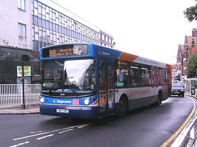 Another of Stagecoach's new MAN 18.240s is 22433 (YN07KRF), this one with route 88 branding and destination clearly visible to the camera.