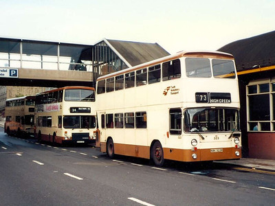 South Yorkshire Transport 323 (NAK323R) was unique in the fleet. It was an East Lancs bodied Leyland Atlantean, originally ordered by Fishwicks of Leyland. It was seen on Pond Street on 5th August 1985.