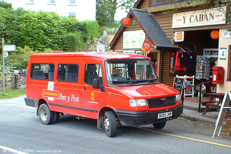 Not quite an 'independent' in the true sense, Royal Mail LDV Post Bus BX05 JKN is seen at Devil's Bridge on a run from Aberystwyth on 3rd August 2005.