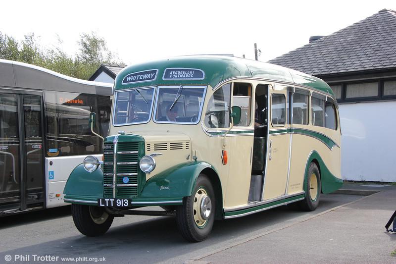 LTT 913, a 1949 Bedford OB/Duple C29F originally new to Sunbeam, Torquay 10/49 and seen at Pwllheli on 9th October 2019.
