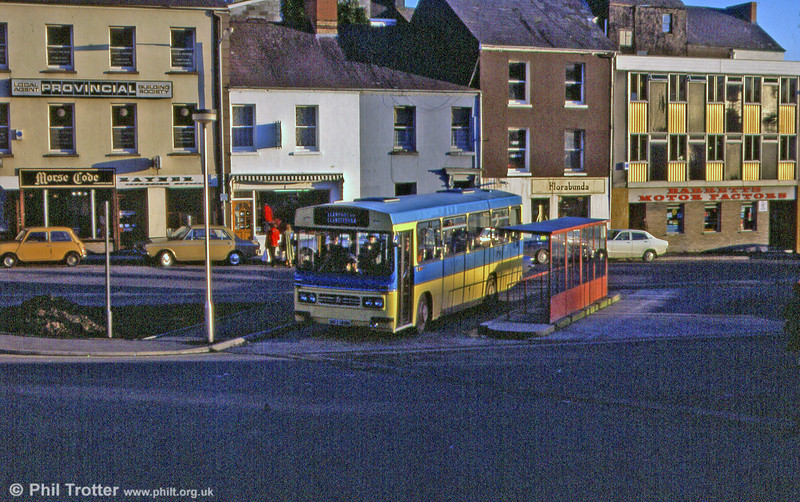 Jones, Ffoshelig, Bedford YLQ/Duple B47F HVJ 146N at Carmarthen.