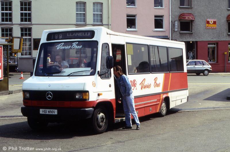 Davies Bros. Mercedes 709D/Scott DP29F 244 (H61 WNN) was originally in the fleet of Skills, Nottingham.