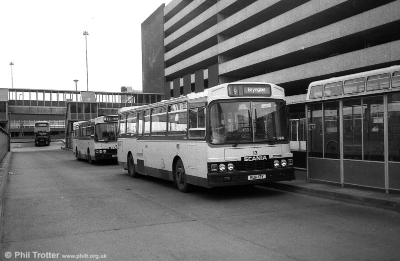 Newport 13 (RUH 13Y), one of the nine Scania/Wadham Stringer B42F vehicles added to the fleet in 1983.