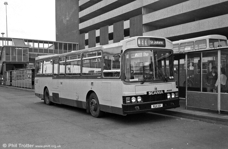 Newport 18 (RUH 18Y), another of the well proportioned 1983 Scania/Wadham Stringer Vanguard B42F vehicles.